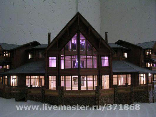 В макете воспроизведены все внутренние интерьеры, выполнена светодиодная подсветка.