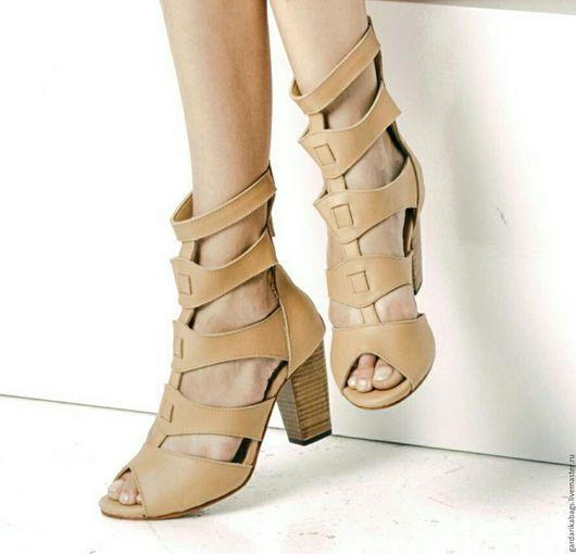 Обувь ручной работы. Ярмарка Мастеров - ручная работа. Купить Босоножки бежевые на каблуке Dali Heel. Handmade. Бежевый
