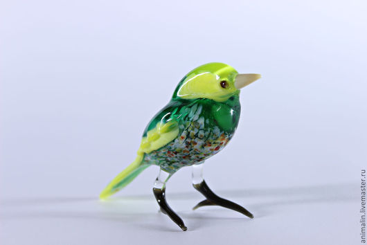 Статуэтки ручной работы. Ярмарка Мастеров - ручная работа. Купить Стеклянная фигурка птицы Зеленушка. Handmade. Зеленушка, счастье