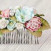 """Свадебный салон ручной работы. Ярмарка Мастеров - ручная работа гребень """"Кремовые ягоды"""" бирюзово-розовый цветочный гребень невесты. Handmade."""