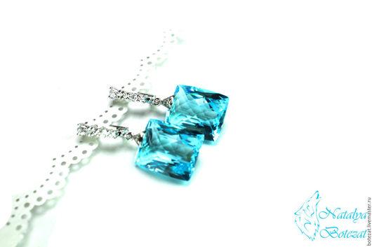 Яркие элегантные серьги с крупными камнями голубыми морскими топазами на элитной родированой фурнитуре с фианитами. Прекрасный подарок женщине девушке коллеге купить