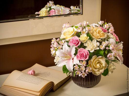 Интерьерные композиции ручной работы. Ярмарка Мастеров - ручная работа. Купить Букет с чайными розами и лилиями. Цветы из глины.. Handmade.