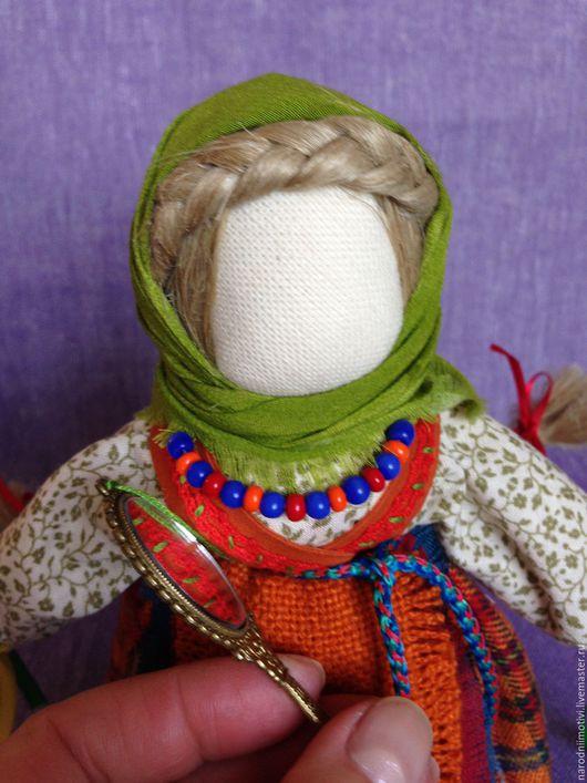 Народная кукла оберег Желанница, оберег на счастье, оберег на удачу, оберег на исполнения желаний, куклы обереги, оранжевый, салатовый, синий, желтый.