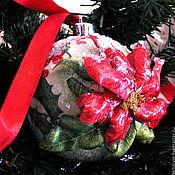 """Подарки к праздникам ручной работы. Ярмарка Мастеров - ручная работа Новогодняя игрушка -шар """"Пуансетия под снегом"""". Handmade."""
