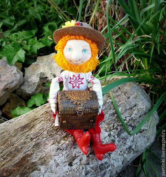 Сказочные персонажи. Текстильная кукла домовой с сундучком. Купить для дома. Светлинки от Даши. Ярмарка мастеров.