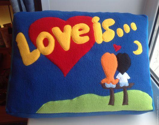 Подарки для влюбленных ручной работы. Ярмарка Мастеров - ручная работа. Купить Подушка Love is.... Handmade. Подушка love is