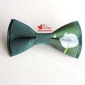 Галстуки ручной работы. Ярмарка Мастеров - ручная работа Бабочка галстук с одуванчиком темно-зеленая, хлопок. Handmade.