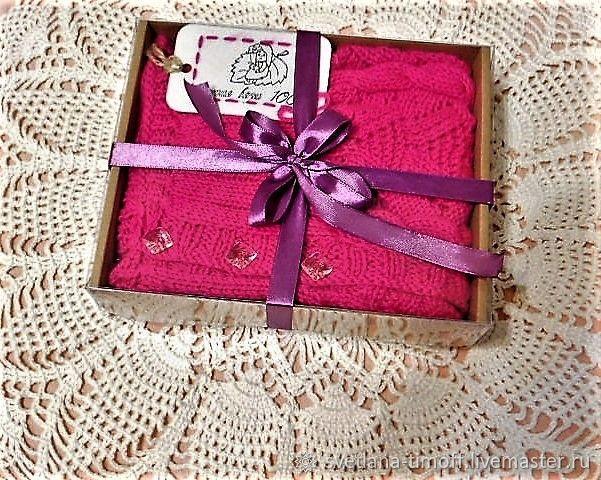 Безрукавка для девочки малинка 86-110 ручной вязки