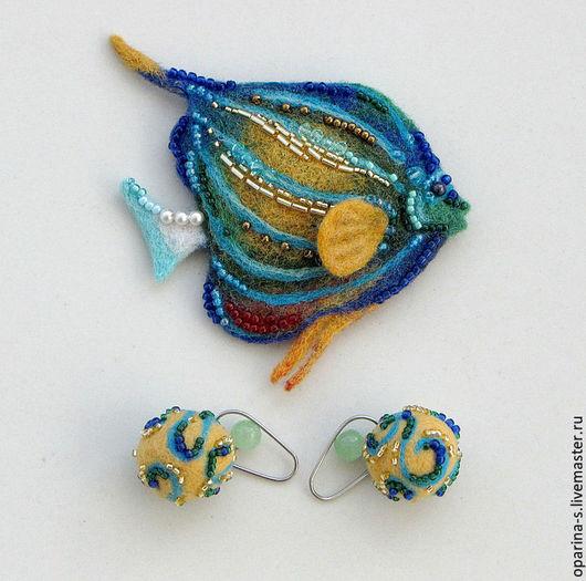 Броши ручной работы. Ярмарка Мастеров - ручная работа. Купить Брошь Рыба-ангел войлочная с вышивкой японским бисером Toho. Handmade.