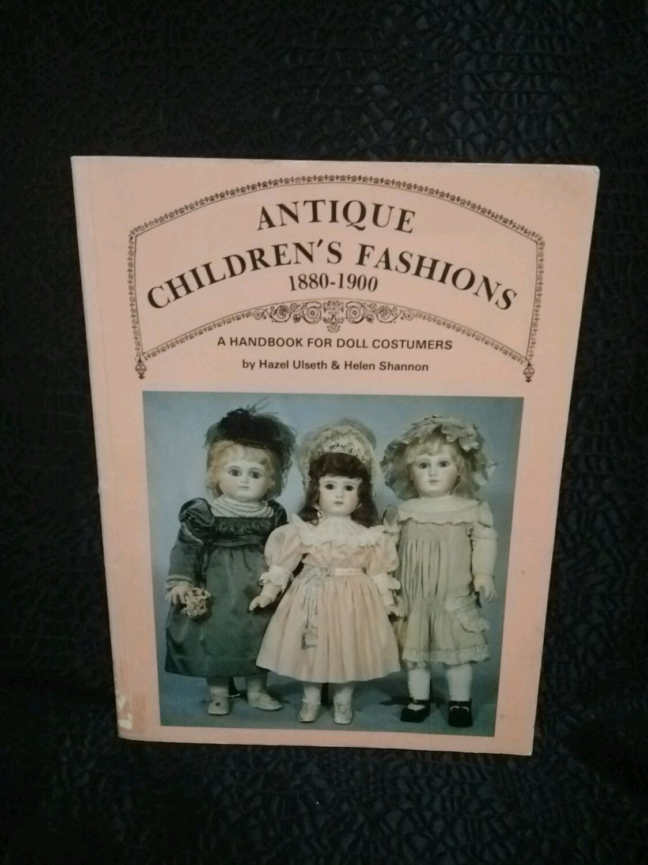"Винтаж: ""A handbook for doll costumers "" Одежда для антик кукол, Книги винтажные, Владимир,  Фото №1"