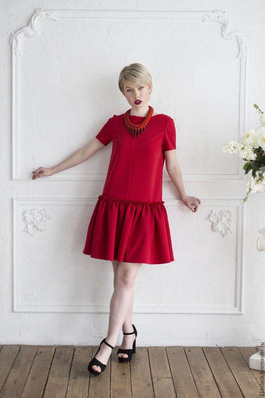 Стильное красное платье, платье из крепа, платье модное, платье на выход, платье мечты, платье на выпускной, платье с воланом, платье стильное, платье для девушки, платье на праздник, платье платье