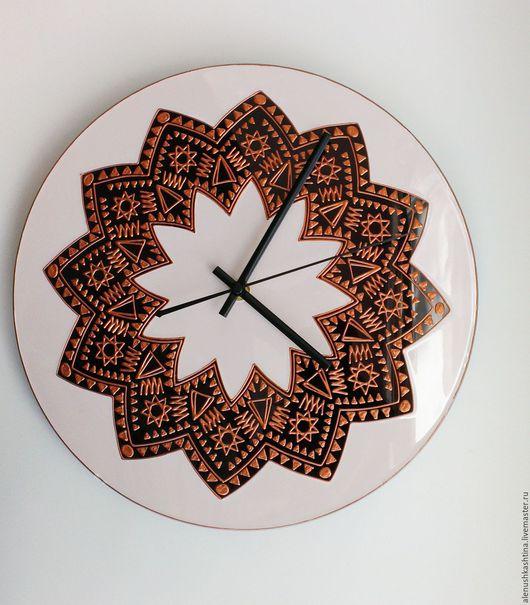 """Часы для дома ручной работы. Ярмарка Мастеров - ручная работа. Купить Часы настенные """"Африканские мотивы"""". Handmade. Бордовый"""