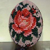 """Сувениры и подарки ручной работы. Ярмарка Мастеров - ручная работа яйцо  """"Розы"""" оплетённое бисером. Handmade."""