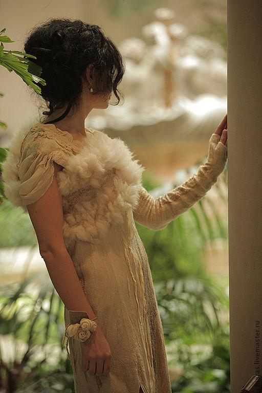 Платья ручной работы. Ярмарка Мастеров - ручная работа. Купить авторское платье из шелка и шерсти Эдельвейс. Handmade. Бежевый