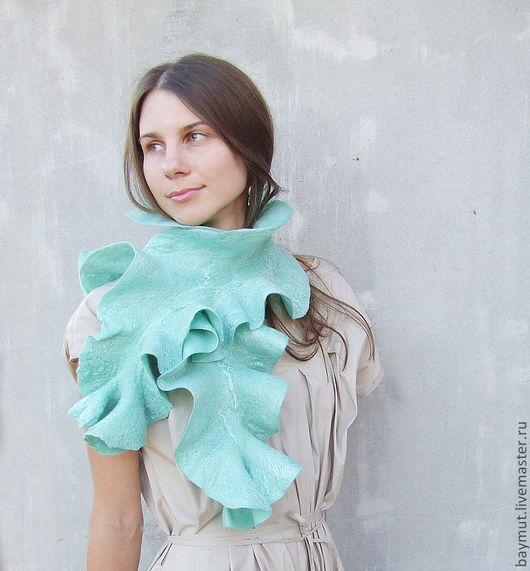 Шарфы и шарфики ручной работы. Ярмарка Мастеров - ручная работа. Купить Мятный воланистый шарф. Handmade. Мятный, нежно-зеленый