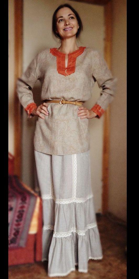 Оригинальная Женская славянская рубаха в древнерусском стиле с оранжевыми вставками. Из тонкого льна. Подходит для повседневной носки в летнее время. В льняной одежде летом не жарко.