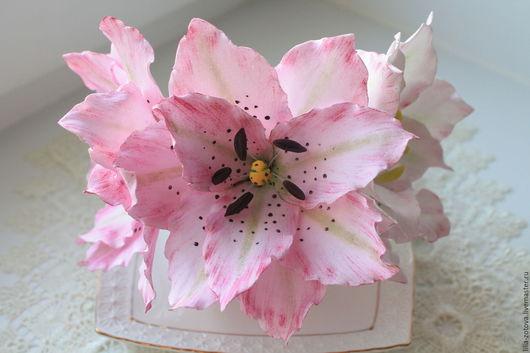 Цветы ручной работы. Ярмарка Мастеров - ручная работа. Купить Цветок лилии из фоамирана. Handmade. Бледно-розовый, подарок девушке