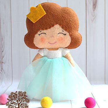 """Куклы и игрушки ручной работы. Ярмарка Мастеров - ручная работа Игровая кукла из фетра """"Принцесса в мятном"""". Handmade."""