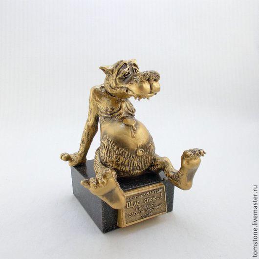 """Статуэтки ручной работы. Ярмарка Мастеров - ручная работа. Купить Сувенир """"Волк"""" памятник счастью. Handmade. Золотой, счастье"""