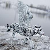 Куклы и игрушки ручной работы. Ярмарка Мастеров - ручная работа фигурка белая крылатая  тигрица. Handmade.
