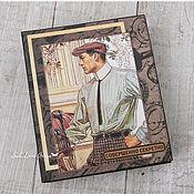 Канцелярские товары ручной работы. Ярмарка Мастеров - ручная работа Коробка-книжка + брелок-блокнот мужчине. Handmade.