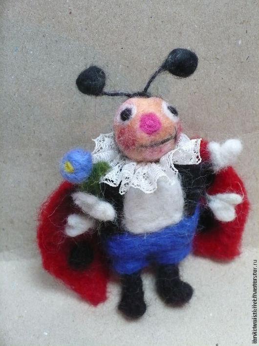 Игрушки животные, ручной работы. Ярмарка Мастеров - ручная работа. Купить Божья коровка елочная игрушка шерсть. Handmade.