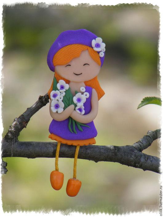 Броши ручной работы. Ярмарка Мастеров - ручная работа. Купить Девочка с букетом (брошь). Handmade. Комбинированный, брошь из полимерной глины