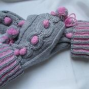 Аксессуары handmade. Livemaster - original item Mittens grey with pink POM-poms. Handmade.