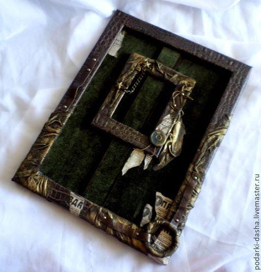 Подарки для мужчин, ручной работы. Ярмарка Мастеров - ручная работа. Купить Рамка кожаная Военная для орденов и медалей. Handmade. Коричневый