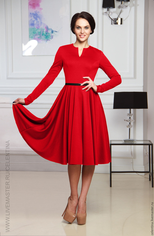 Платье с французским рукавом