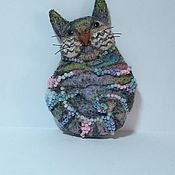 Брошь-булавка ручной работы. Ярмарка Мастеров - ручная работа Брошь-булавка: Кошка создана из неги.... Handmade.