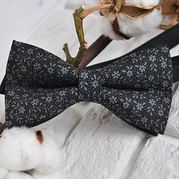 Аксессуары ручной работы. Ярмарка Мастеров - ручная работа Галстук бабочка Эйфлория / бабочка галстук черная с серыми цветочками. Handmade.