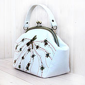 Сумки и аксессуары handmade. Livemaster - original item Bag GOLD DRAGONFLY white. Handmade.