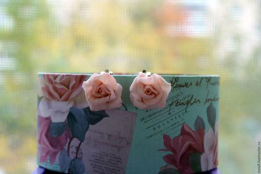Клипсы розы,персиковые розы,серьги розы,розовые розы,розовые клипсы,нежные розы,нежные клипсы,подарок девочке,украшение для ушей.Цветы и украшения Зарифы Пироговой.