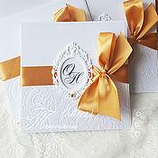 Свадебный салон ручной работы. Ярмарка Мастеров - ручная работа Приглашение с рамкой-золотистая лента. Handmade.