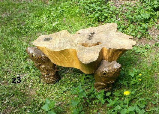 """Мебель ручной работы. Ярмарка Мастеров - ручная работа. Купить столик деревянный  """"мир на 3 лягушках"""". Handmade. Коричневый, лягушка"""