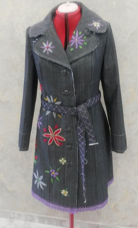 Джинсовый плащ с вышивкой – купить в интернет-магазине на Ярмарке Мастеров с доставкой