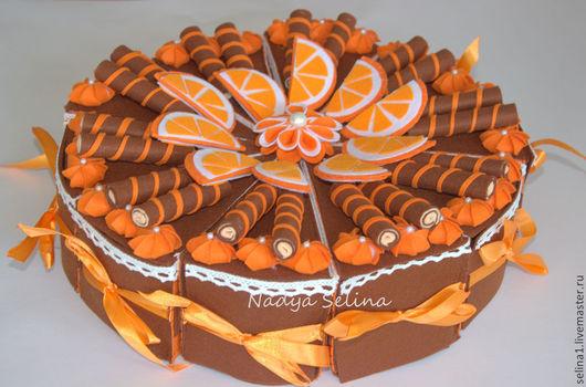 Апельсиновый торт с вафельными трубочками