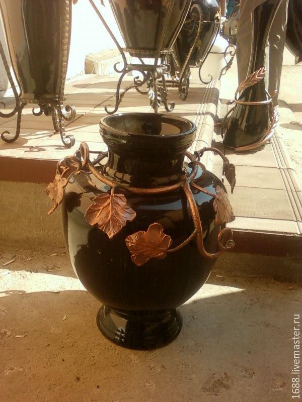 вазы керамика на подставках
