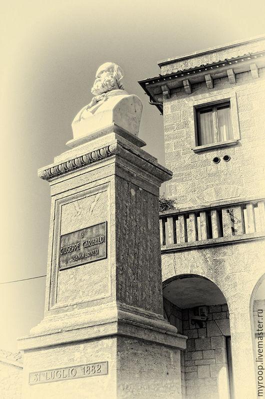 Итальянская коллекция - серия фоторабот итальянских городских пейзажей. Рим, Венеция, Верона и Сиена, колоннады Ватикана. Цена приведена за работу размером 20Х30 см.