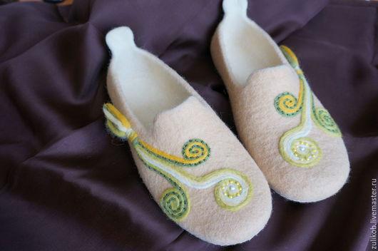"""Обувь ручной работы. Ярмарка Мастеров - ручная работа. Купить Тапочки  валяные """"Завитки """". Handmade. Тапочки ручной работы"""