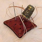 Сувениры по профессиям ручной работы. Ярмарка Мастеров - ручная работа Подушечка для иголок, подарок для рукодельницы. Handmade.