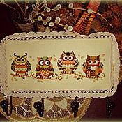 Для дома и интерьера ручной работы. Ярмарка Мастеров - ручная работа Вышитая вешалка-ключница Совиная семейка. Handmade.