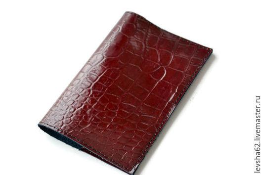 Обложки ручной работы. Ярмарка Мастеров - ручная работа. Купить Обложка на паспорт из натуральной кожи. Handmade. Ярко-красный