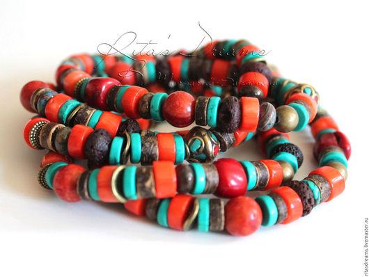 Яркие длинные бусы собраны из разных по форме и по фактуре бусин в красно-бирюзово-коричневой гамме. Коралл, бирюза, тибетские бусины, кокос, вулканическая лава, яшма и петерсит.