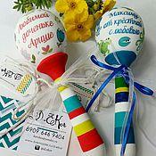 Подарки к праздникам ручной работы. Ярмарка Мастеров - ручная работа Погремушки именные. Handmade.