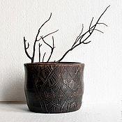 Для дома и интерьера ручной работы. Ярмарка Мастеров - ручная работа Керамический горшок-вазочка с резным декором. Handmade.