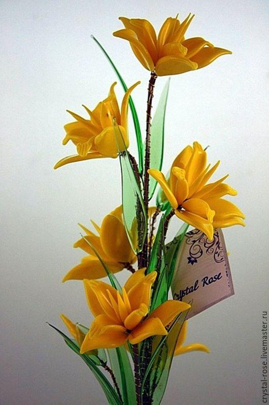 Желтый матовый цветок из богемского стекла