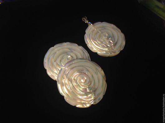 """Кулоны, подвески ручной работы. Ярмарка Мастеров - ручная работа. Купить Кулон """"Роза 35"""" (Серебро + Перламутр). Handmade."""