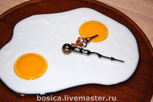 """Часы для дома ручной работы. Ярмарка Мастеров - ручная работа. Купить Часы """"Глазунья"""" стекло, фьюзинг. Handmade. Часы"""